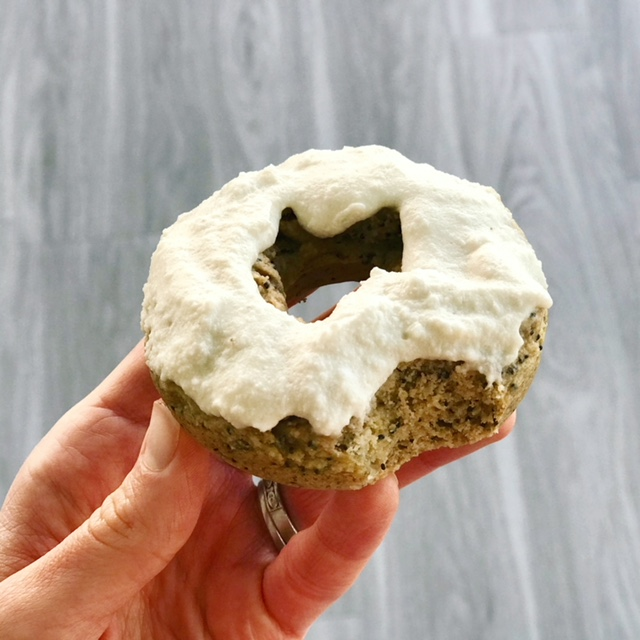 Lemon Poppy Seed Doughnuts - www.getWelli.com - #getWelli #vegan #paleo #grainfree #nosugar #glutenfree