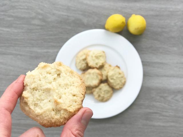 Easy grain free vegan Lemon Cookies - www.getWelli.com - #glutenfree #paleo #vegan #sugarfree #getWelli