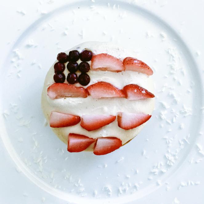 Grain Free yellow cake - www.getWelli.com - #getWelli #vegan #paleo #grainfree