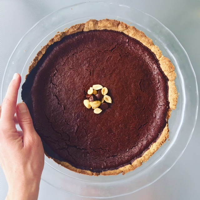Chocolate Peanut Butter Pie - www.getWelli.com - #getWelli #vegan #glutenfree #grainfree #vegetarian #dessert