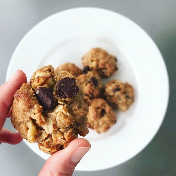 Peanut+Butter+Bourbon+Honey+Cookies+-+www.JoyfulGoodness.com+-+#vegan+#paleo+#dessert+#healthy+#cookies.