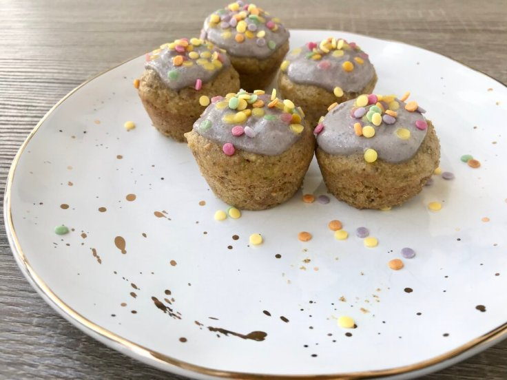 gluten free pistachio cupcakes for a healthy easter