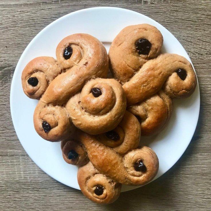 Santa lucia buns - joyful goodness - vegetarian recipe